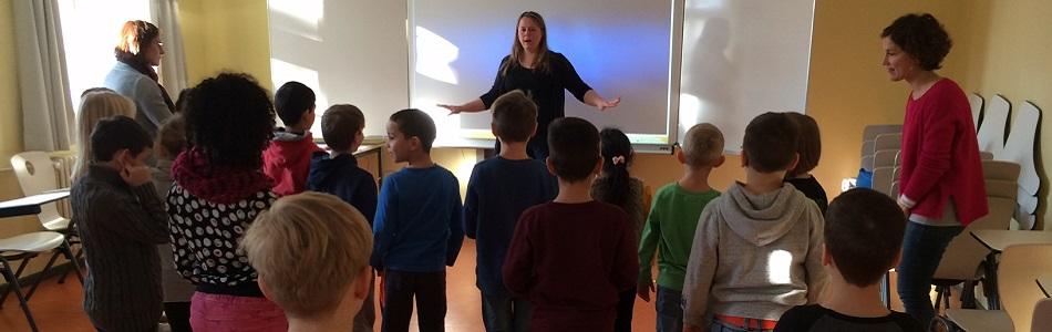 """Featured image for """"SING!-Patin zu Besuch in der Lindenhof-Grundschule"""""""
